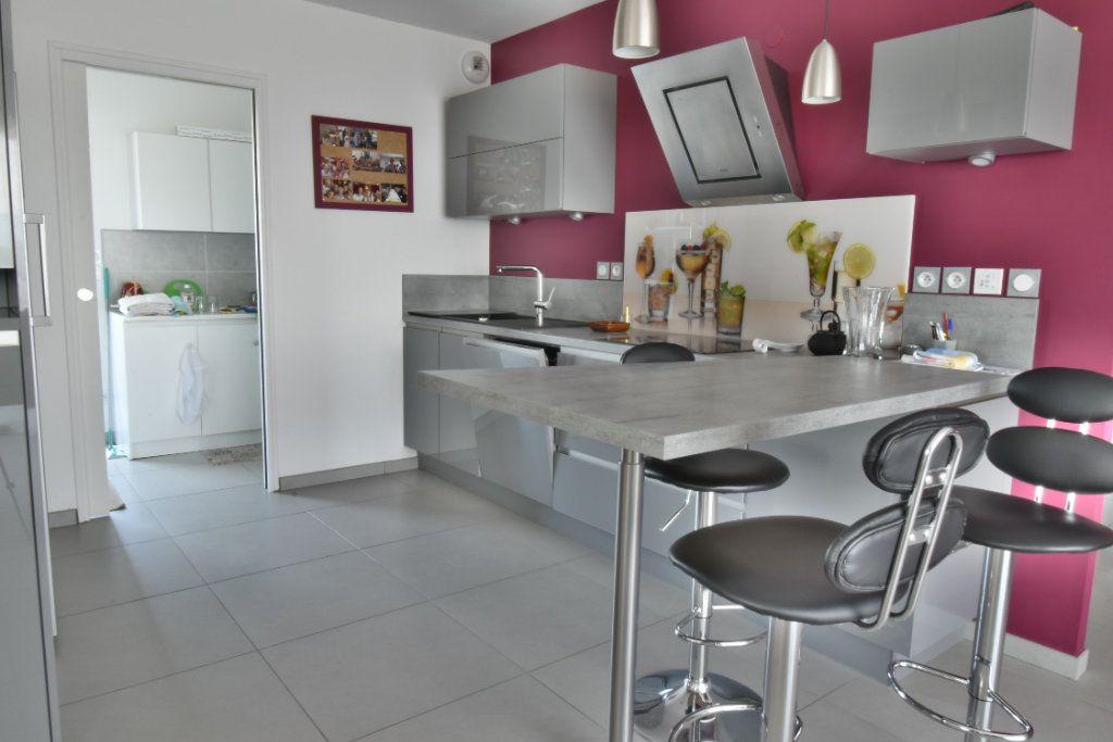 Appartement à vendre 5 127m2 à Romans-sur-Isère vignette-5