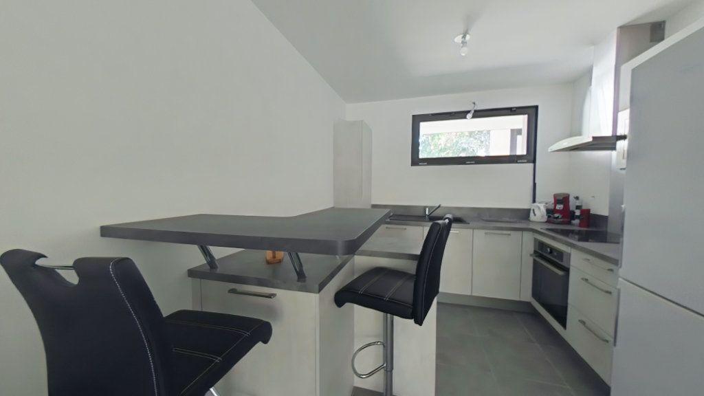 Appartement à vendre 2 52.1m2 à Romans-sur-Isère vignette-3