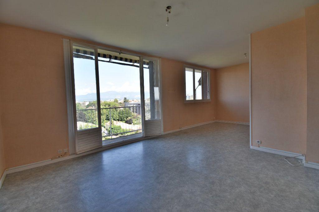 Appartement à vendre 4 71m2 à Romans-sur-Isère vignette-1