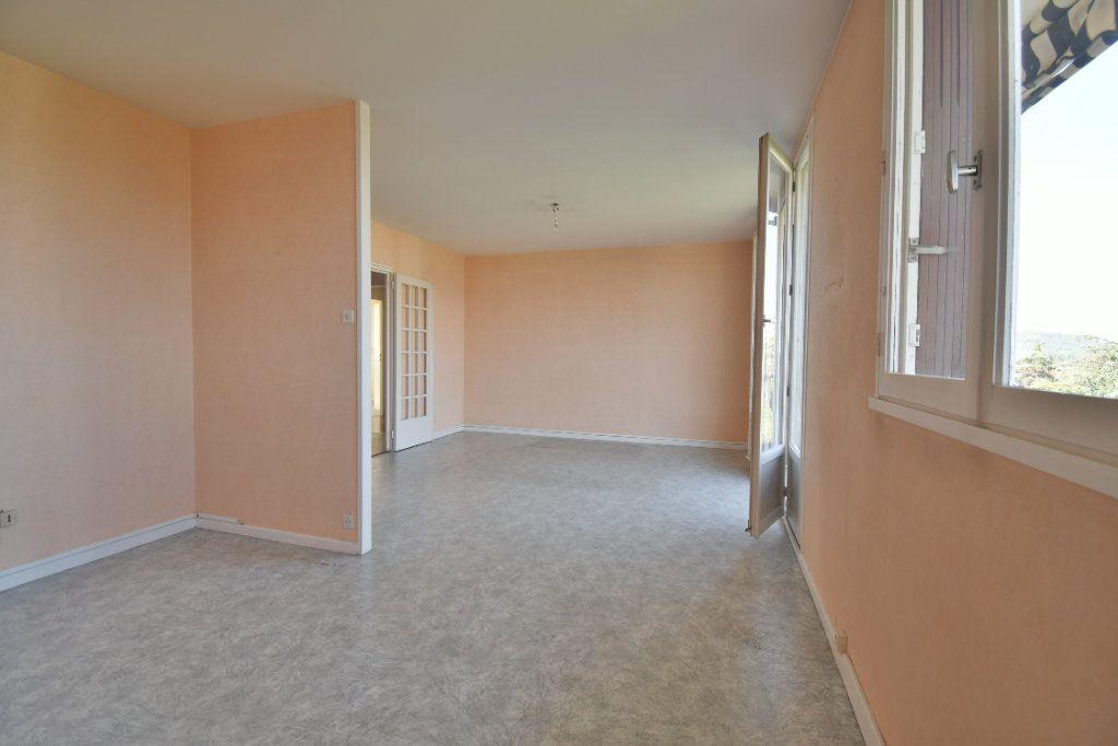Appartement à vendre 4 71m2 à Romans-sur-Isère vignette-4