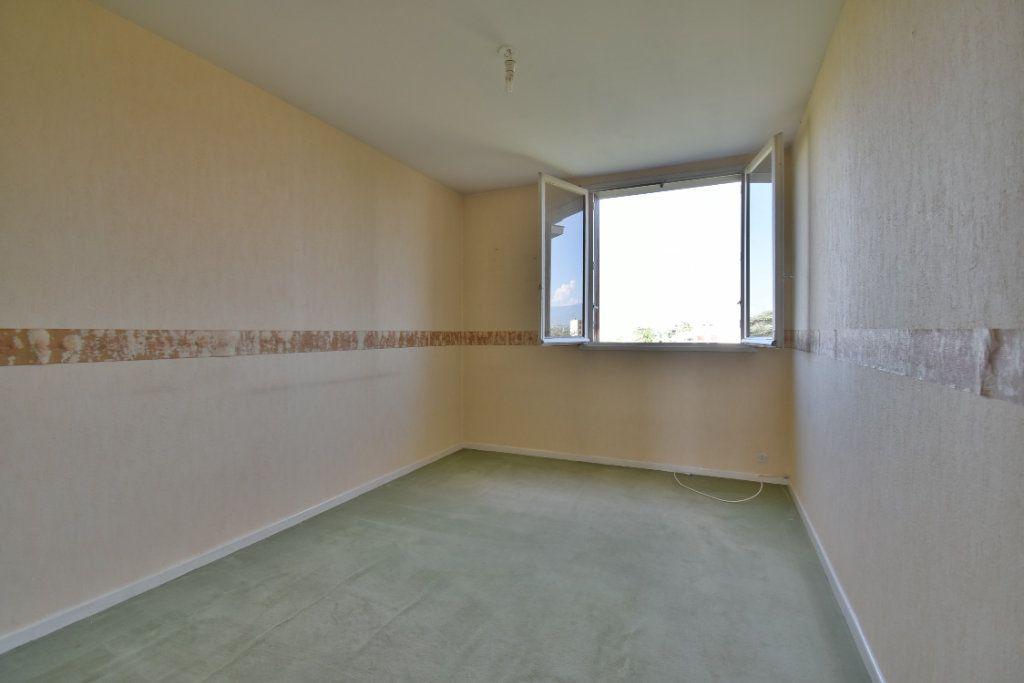 Appartement à vendre 4 71m2 à Romans-sur-Isère vignette-5