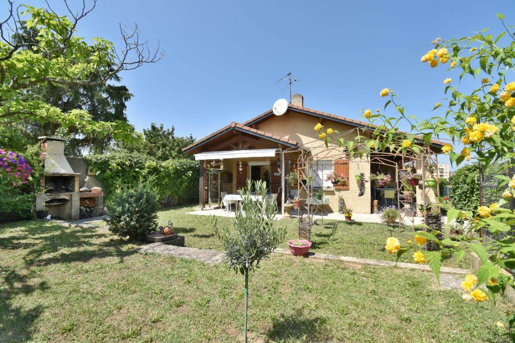 Maison à vendre 5 106m2 à Romans-sur-Isère vignette-3