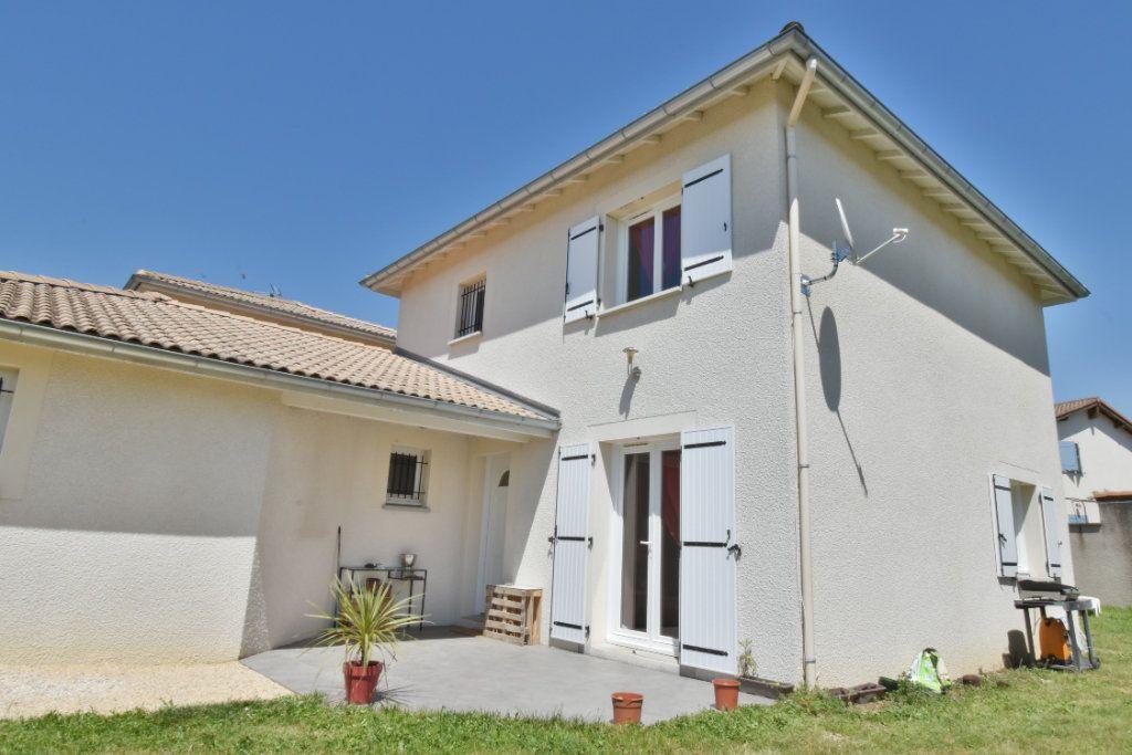 Maison à vendre 5 96m2 à Romans-sur-Isère vignette-1