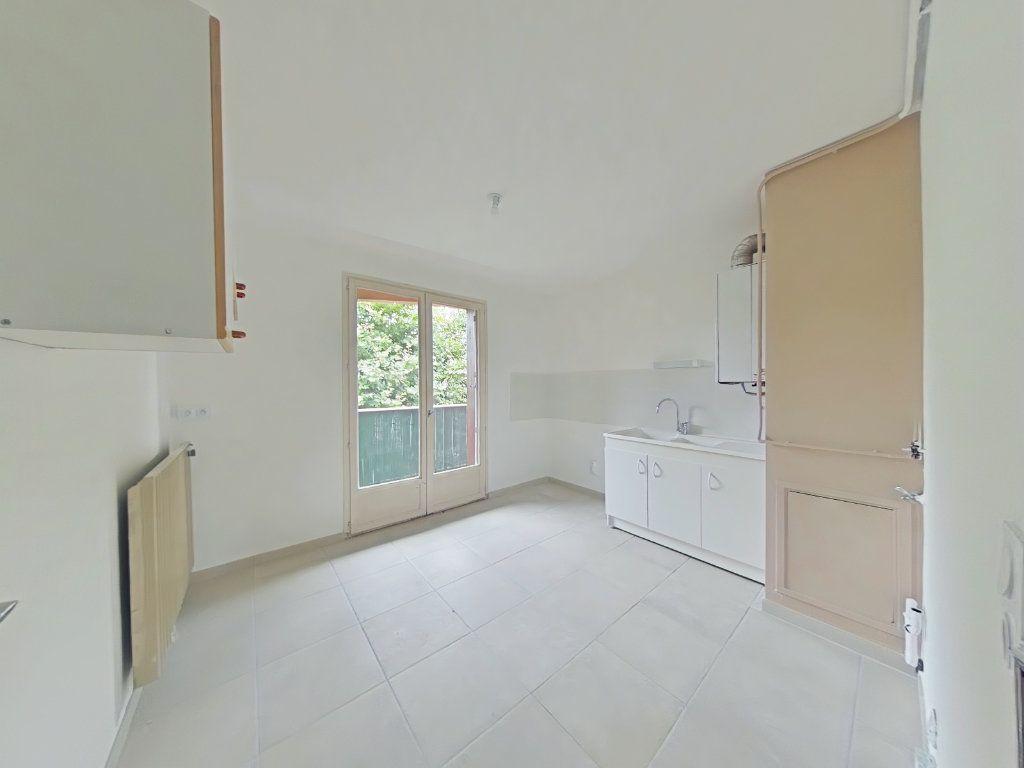 Appartement à louer 3 64.74m2 à Bourg-de-Péage vignette-1