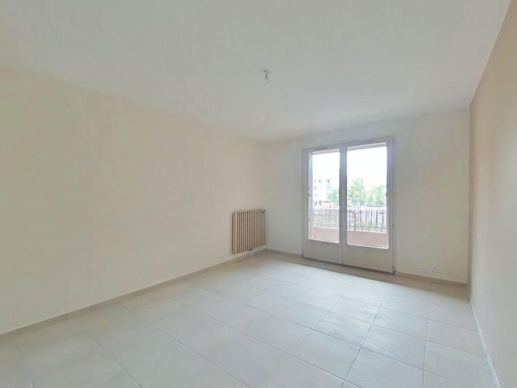 Appartement à louer 3 64.74m2 à Bourg-de-Péage vignette-2