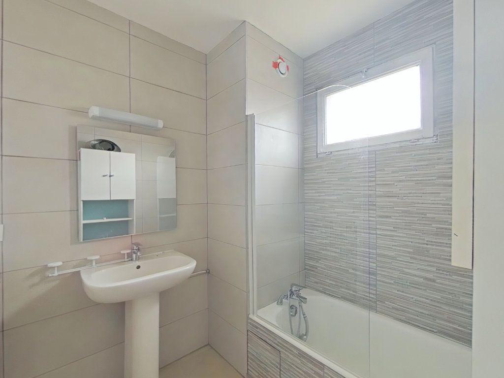 Appartement à louer 3 64.74m2 à Bourg-de-Péage vignette-3