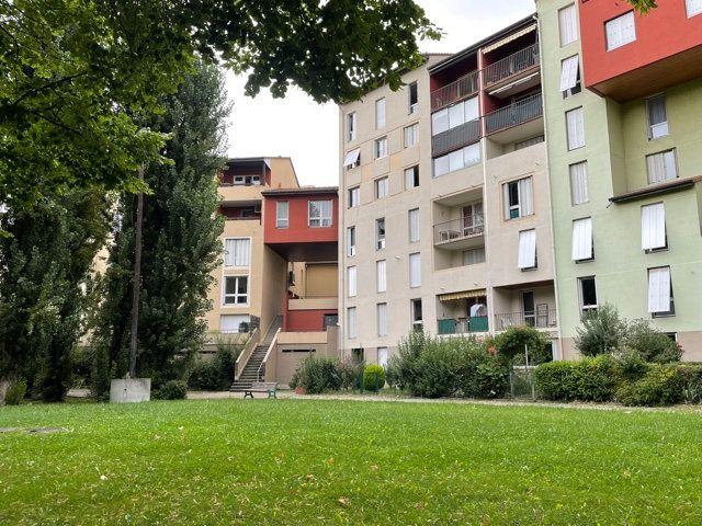 Appartement à vendre 5 109.17m2 à Romans-sur-Isère vignette-1
