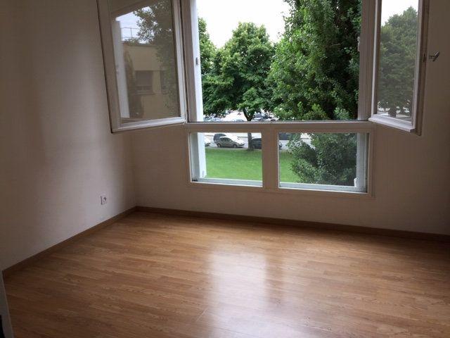 Appartement à vendre 5 109.17m2 à Romans-sur-Isère vignette-2