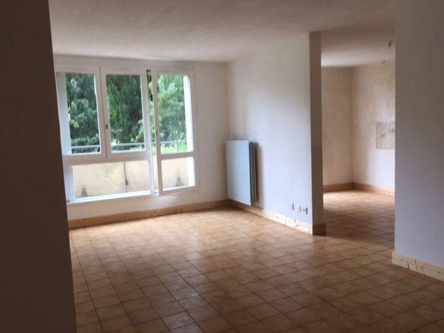Appartement à vendre 5 109.17m2 à Romans-sur-Isère vignette-3