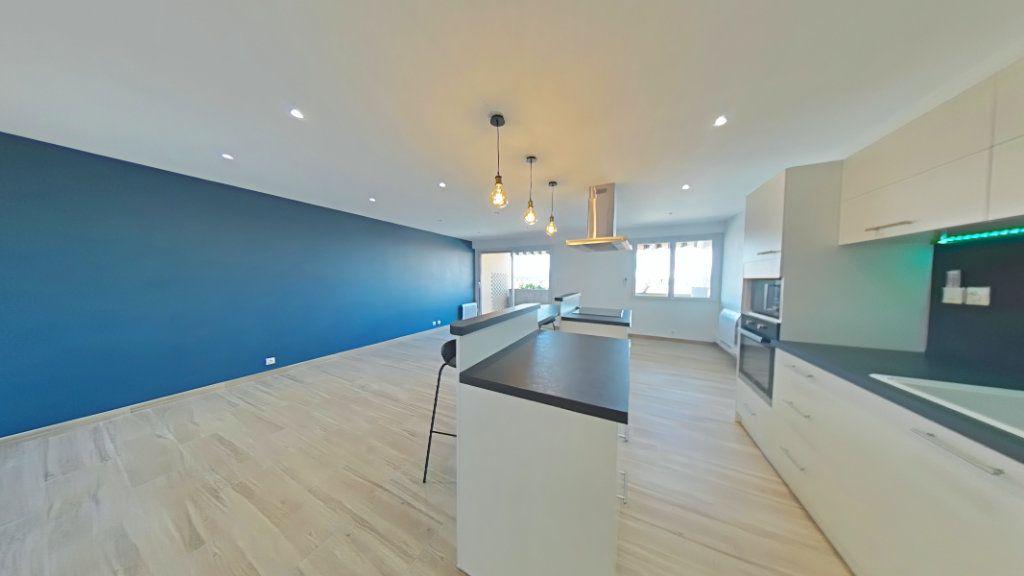 Appartement à vendre 5 86.13m2 à Romans-sur-Isère vignette-2