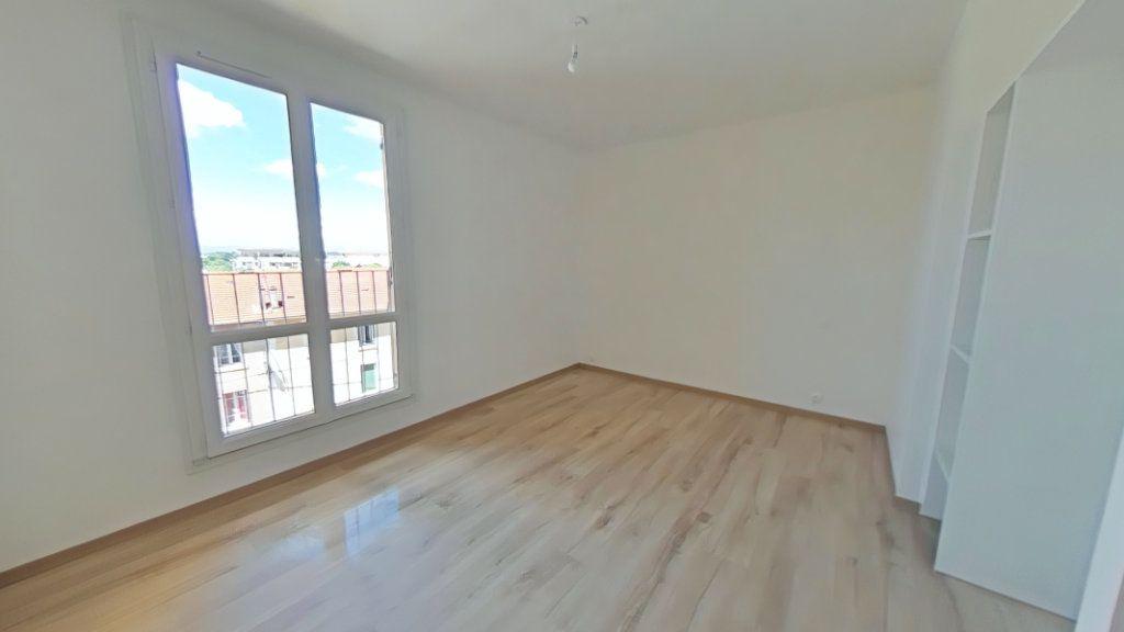 Appartement à vendre 5 86.13m2 à Romans-sur-Isère vignette-7
