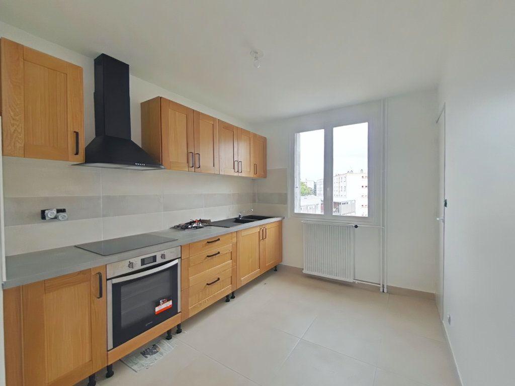 Appartement à louer 3 61m2 à Romans-sur-Isère vignette-1