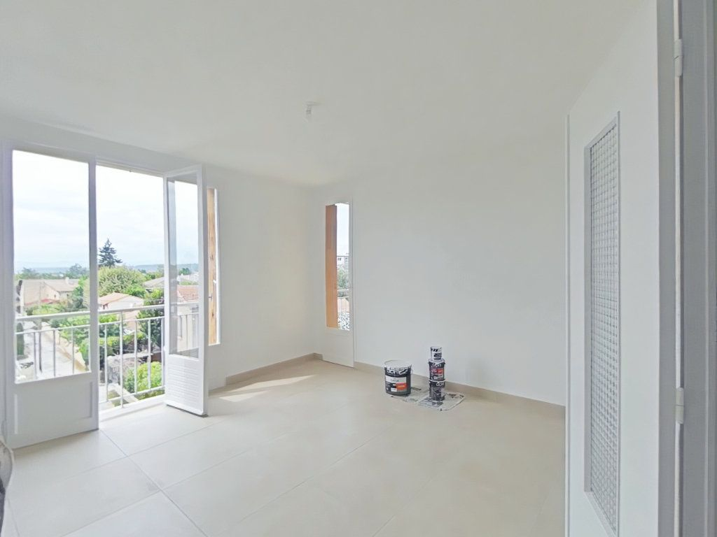 Appartement à louer 3 61m2 à Romans-sur-Isère vignette-2