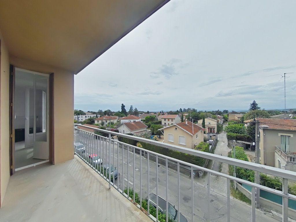 Appartement à louer 3 61m2 à Romans-sur-Isère vignette-3