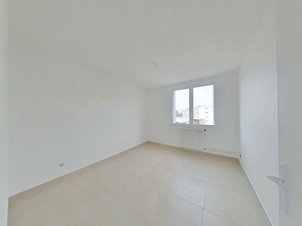 Appartement à louer 3 61m2 à Romans-sur-Isère vignette-4