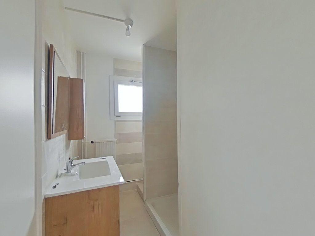 Appartement à louer 3 61m2 à Romans-sur-Isère vignette-6