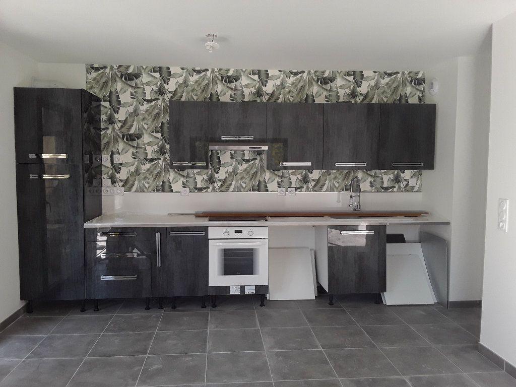 Appartement à louer 2 53.9m2 à Romans-sur-Isère vignette-2