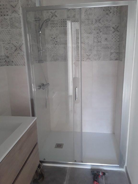 Appartement à louer 2 53.9m2 à Romans-sur-Isère vignette-5