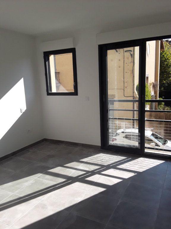 Appartement à louer 2 53.9m2 à Romans-sur-Isère vignette-6