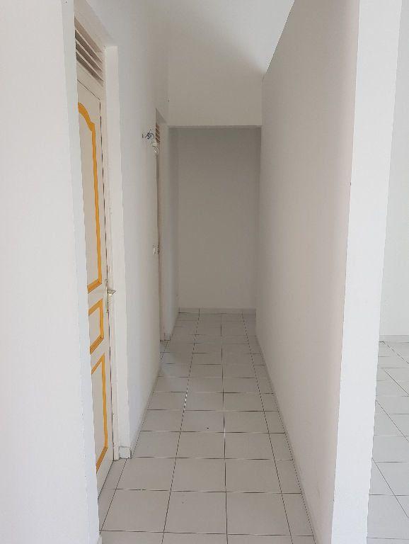 Maison à louer 3 96m2 à Le Gosier vignette-9