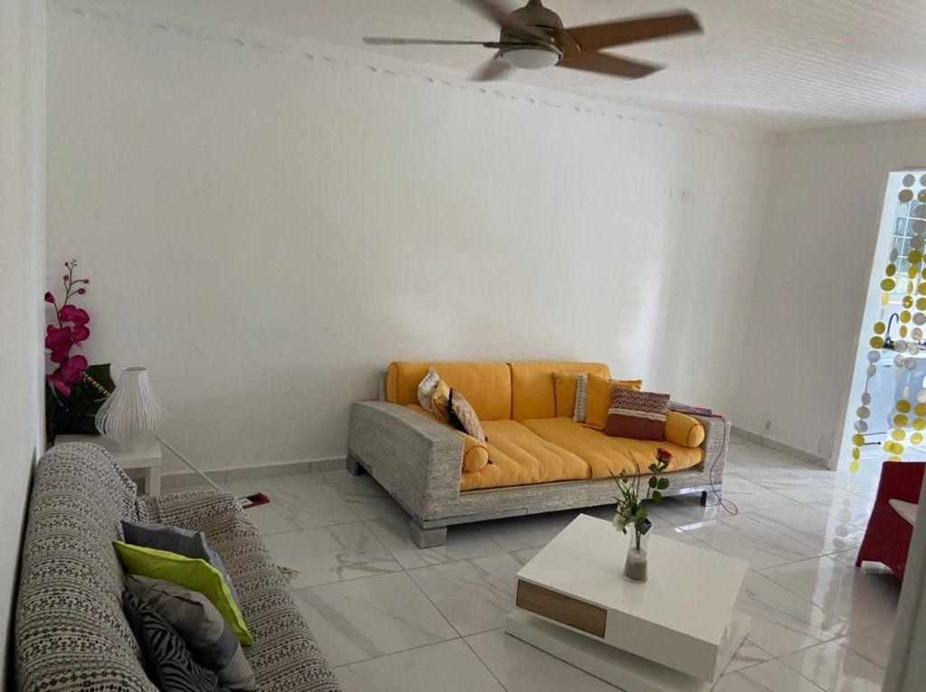 Appartement à louer 3 69m2 à Le Gosier vignette-3