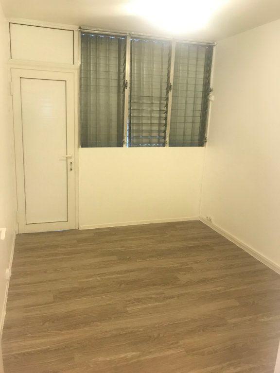 Appartement à louer 4 60m2 à Les Abymes vignette-7