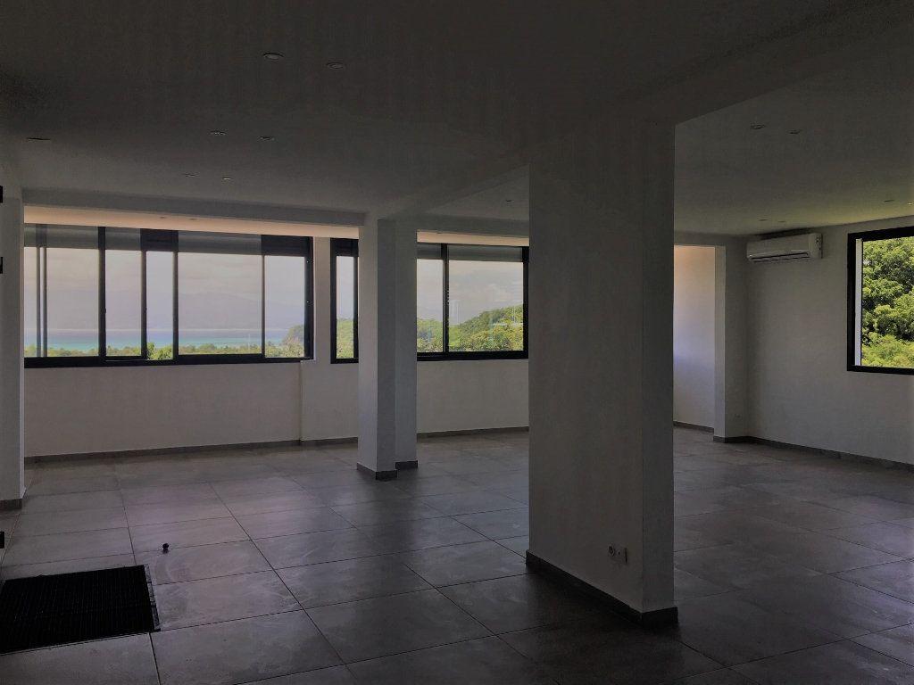 Appartement à louer 4 209m2 à Le Gosier vignette-7
