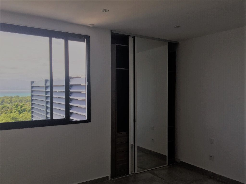 Appartement à louer 4 209m2 à Le Gosier vignette-15