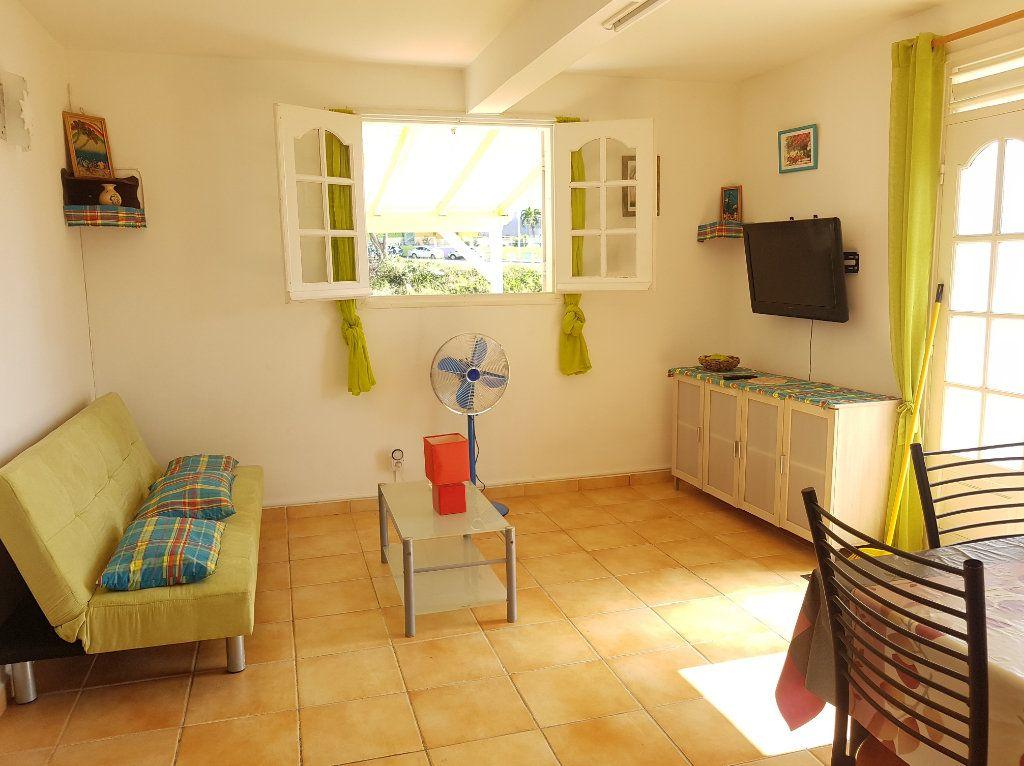 Appartement à louer 2 29m2 à Le Gosier vignette-2