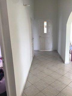 Maison à louer 5 140m2 à Le Moule vignette-6