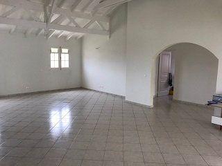 Maison à louer 5 140m2 à Le Moule vignette-9