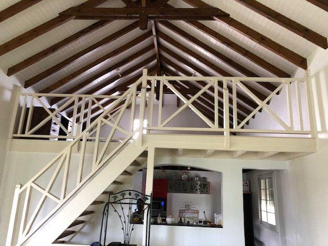Maison à vendre 7 234m2 à Sainte-Anne vignette-3