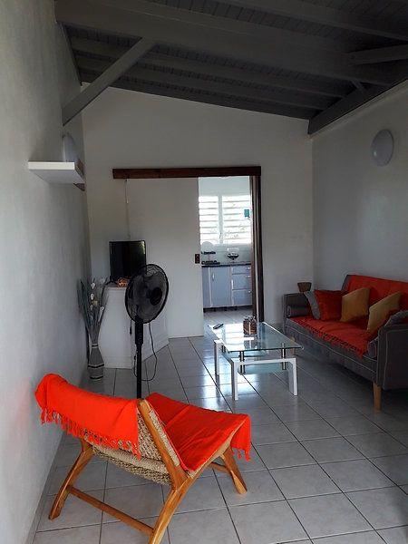 Appartement à louer 2 55m2 à Sainte-Rose vignette-2