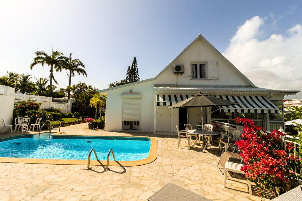 Maison à vendre 6 157.52m2 à Le Gosier vignette-9