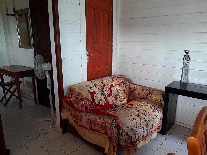Appartement à louer 2 32m2 à Sainte-Anne vignette-5