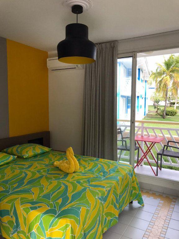 Appartement à louer 1 19.29m2 à Saint-François vignette-1