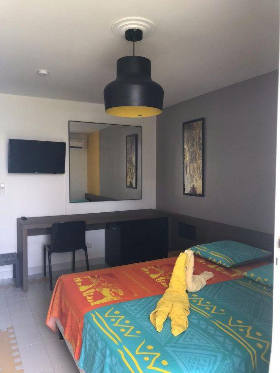 Appartement à louer 1 19.29m2 à Saint-François vignette-2