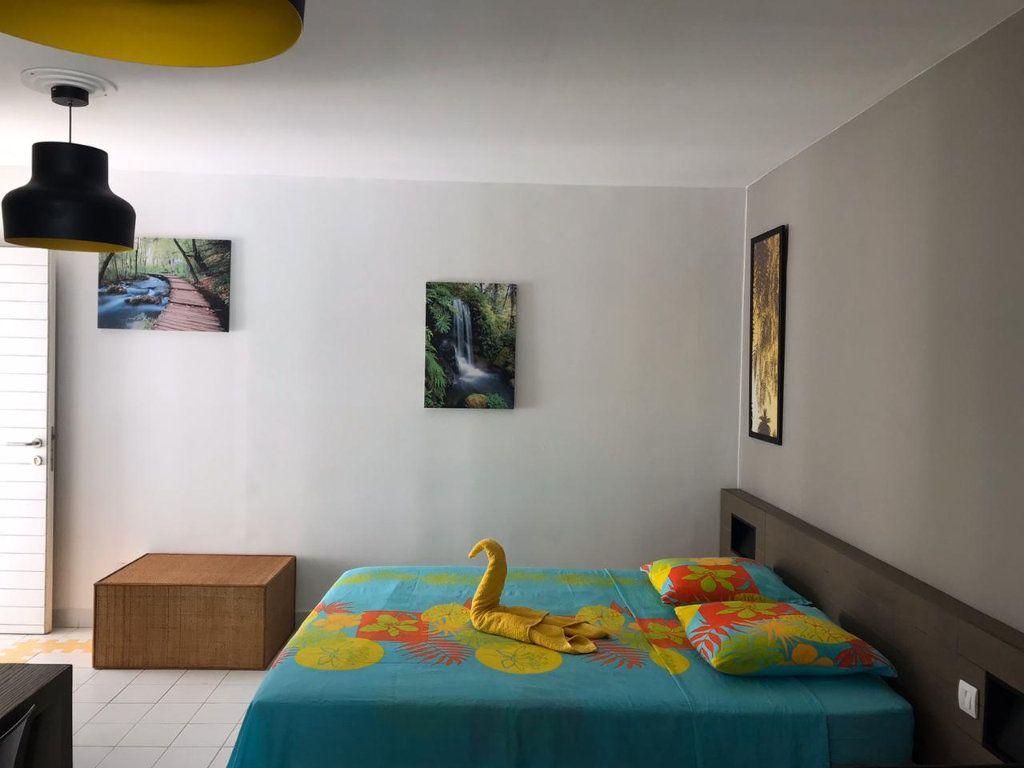 Appartement à louer 1 25.06m2 à Saint-François vignette-1