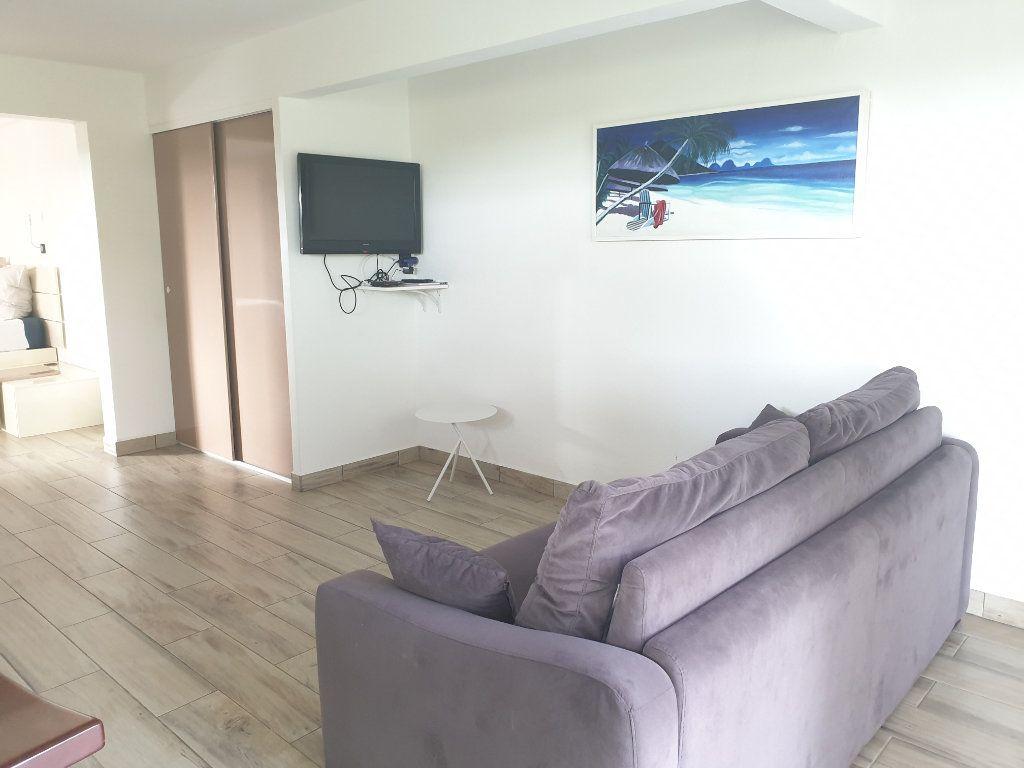 Appartement à louer 2 43m2 à Le Gosier vignette-2