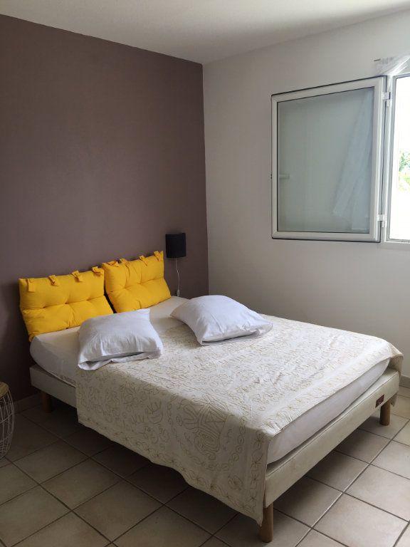 Appartement à louer 3 70m2 à Baie-Mahault vignette-7