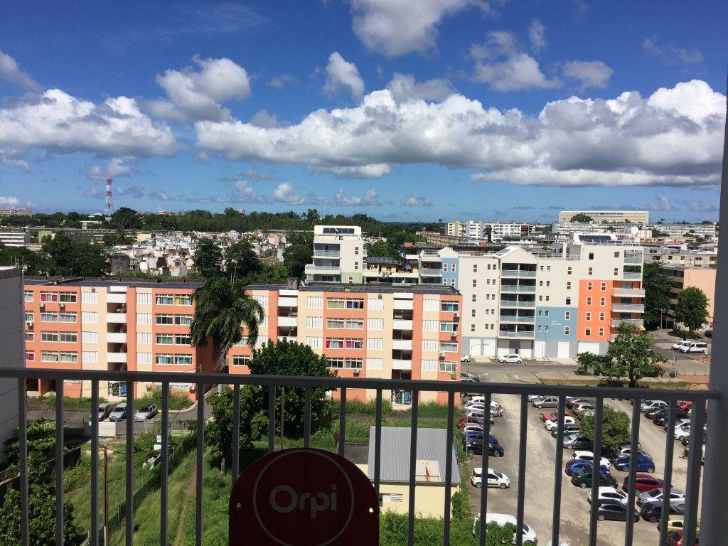 Appartement à vendre 4 72m2 à Pointe-à-Pitre vignette-1