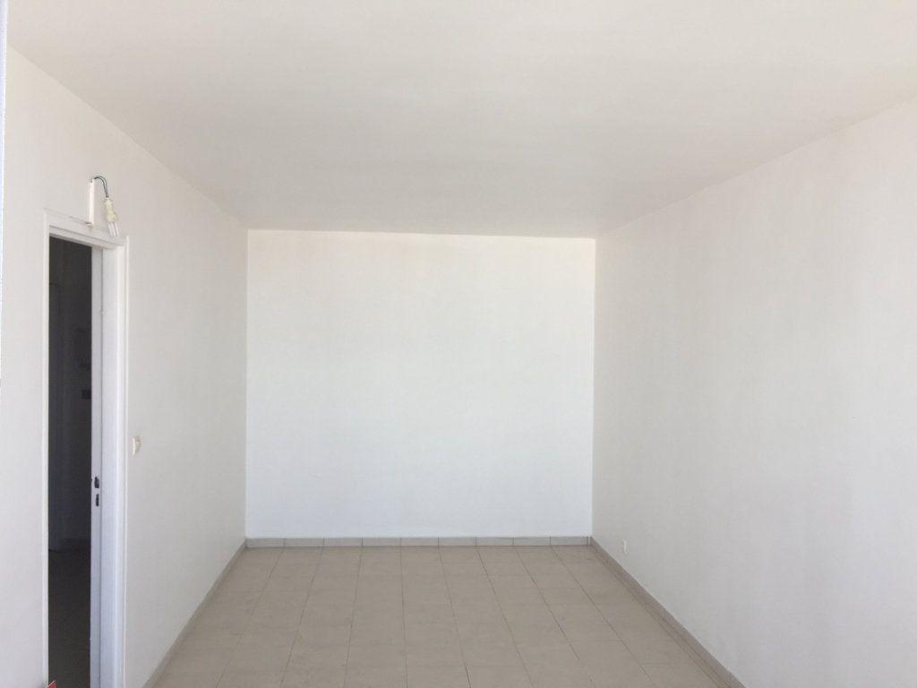 Appartement à vendre 4 72m2 à Pointe-à-Pitre vignette-3