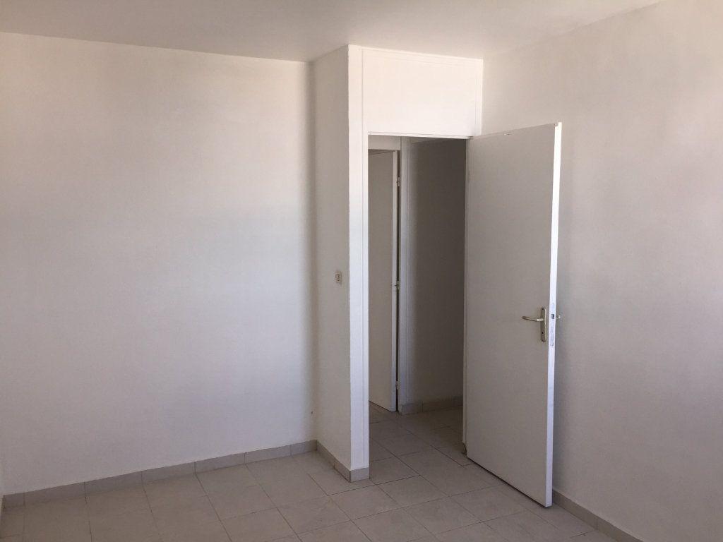 Appartement à vendre 4 72m2 à Pointe-à-Pitre vignette-7