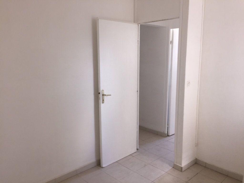 Appartement à vendre 4 72m2 à Pointe-à-Pitre vignette-8
