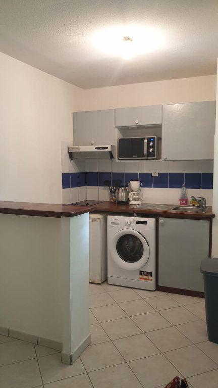 Appartement à louer 2 52.73m2 à Sainte-Anne vignette-6