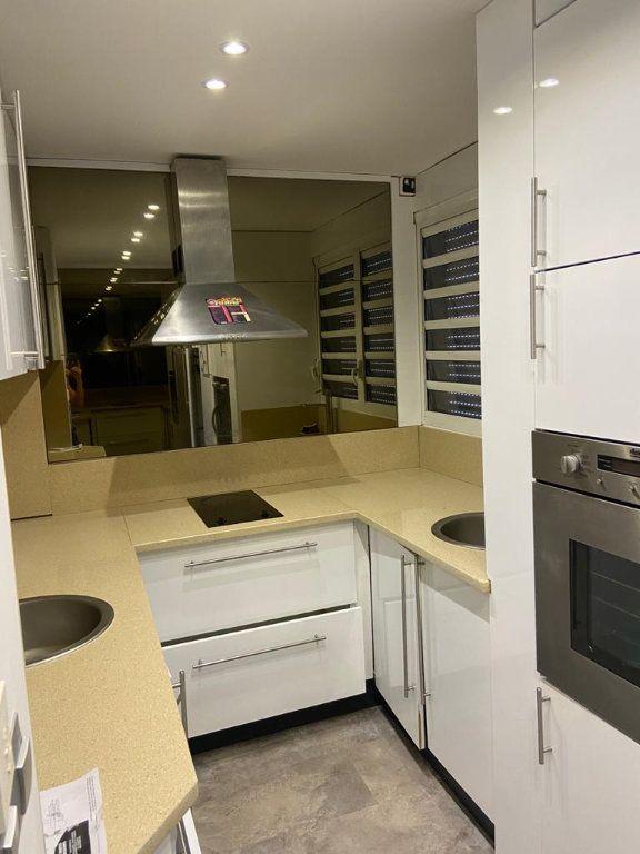 Appartement à louer 1 45m2 à Le Gosier vignette-2
