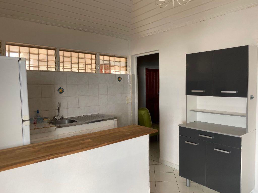 Appartement à louer 3 49m2 à Le Gosier vignette-2