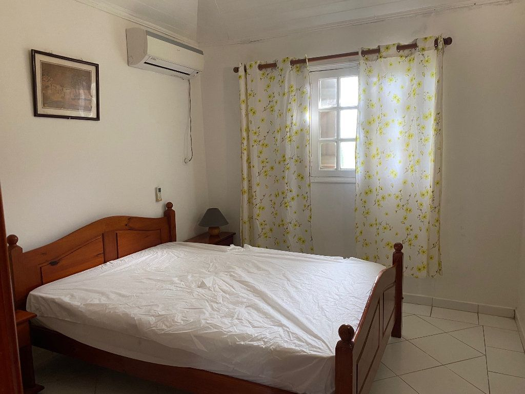 Appartement à louer 3 49m2 à Le Gosier vignette-4