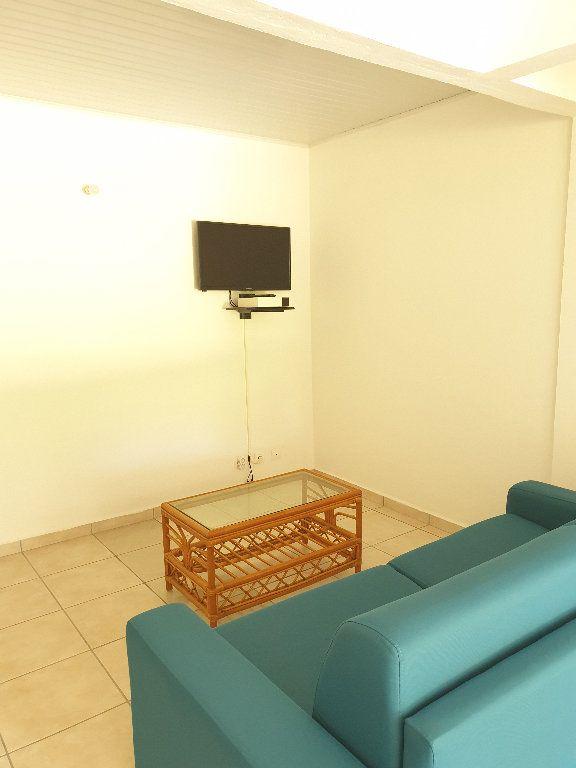 Appartement à louer 2 53m2 à Le Gosier vignette-4