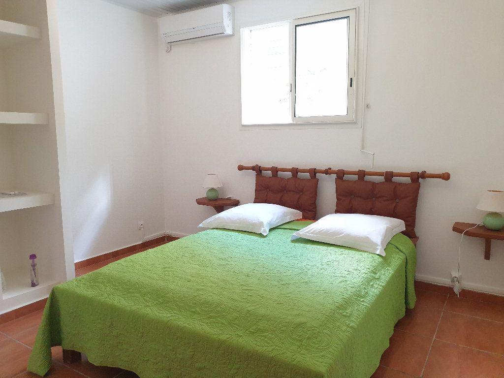 Appartement à louer 2 53m2 à Le Gosier vignette-6
